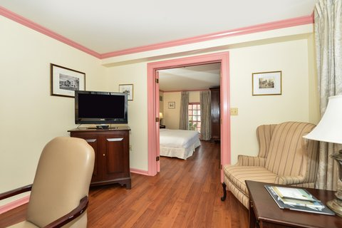 Admiral Fell Inn, an Ascend Hotel Collection Member - King Suite