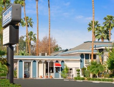 Travelodge Bakersfield Hotel - Exterior