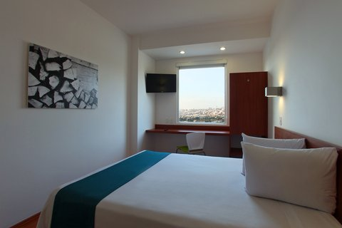 One Queretaro Centro Sur - Superior Room 1 Queen