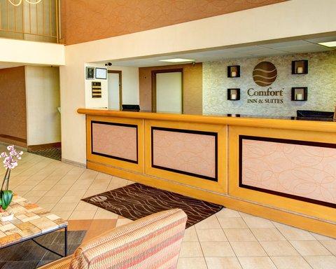 Comfort Inn & Suites Near Univ. of Maryland - MDFront Desk