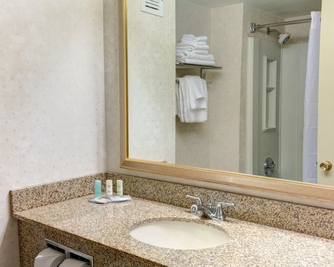 Comfort Inn & Suites Near Univ. of Maryland - MDNQ