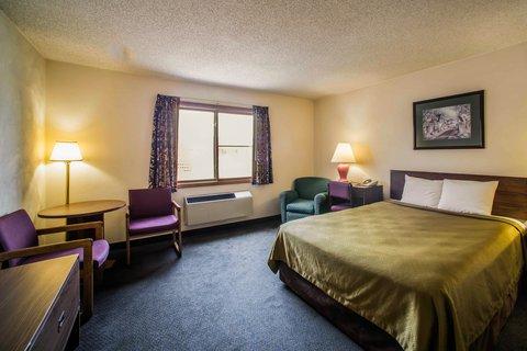 Econo Lodge Inn & Suites - ILNq