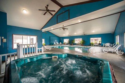 Econo Lodge Inn & Suites - ILPool