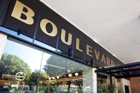 Hotel Boulevard Plaza - Fachada do hotel