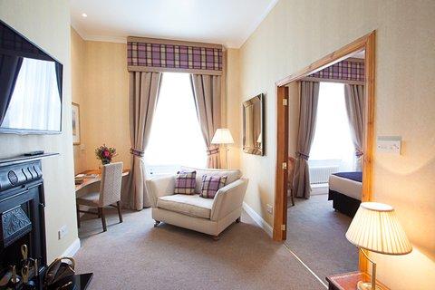 Aberdeen Douglas - Executive Room