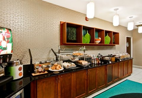 SpringHill Suites Fresno - Breakfast Buffet