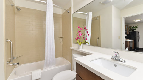 Candlewood Suites HOUMA - Large Vanity with Curved Shower Curtain