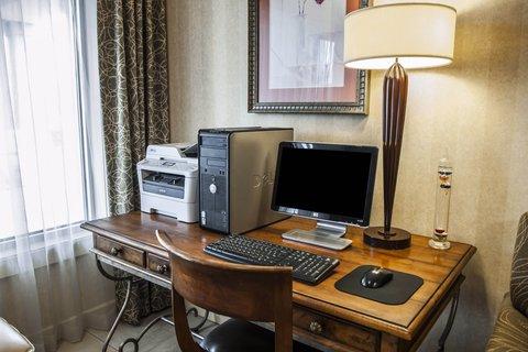 Comfort Inn & Suites Columbus - INComp