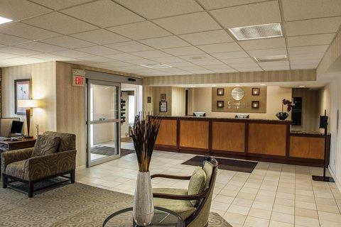Comfort Inn & Suites Columbus - INLobby