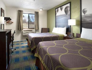 Super 8 Motel - Walla Walla - 2 Queen Beds Room