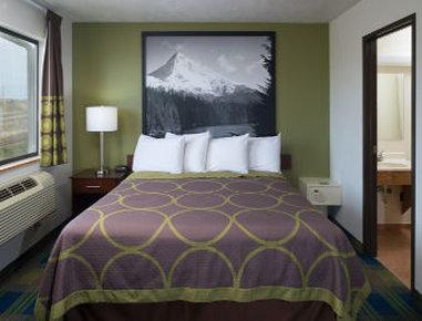 Super 8 Motel - Walla Walla - 1 Bed Room Suite