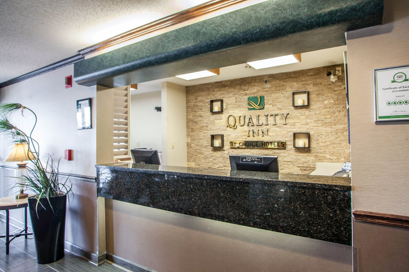 Quality Inn - Elgin, IL