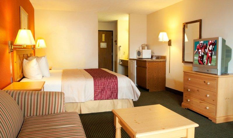 Red Roof Inn & Suites Hermitage