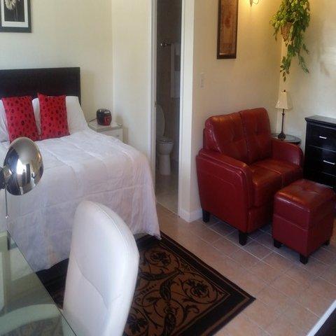 Dundee Bay Villas - Studio Bedroom