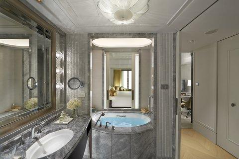 台北文华东方酒店 - MOTPE Deluxe King Bathroom