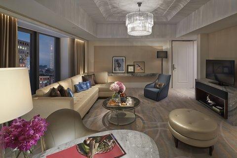 台北文华东方酒店 - MOTPE Club Boulevard Suite Living Room