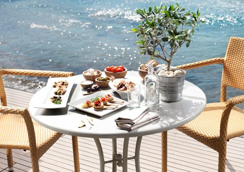 Divani Apollon Palace & Thalasso - Traditional Greek Lunch