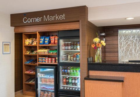Fairfield Inn Bloomington - The Corner Market