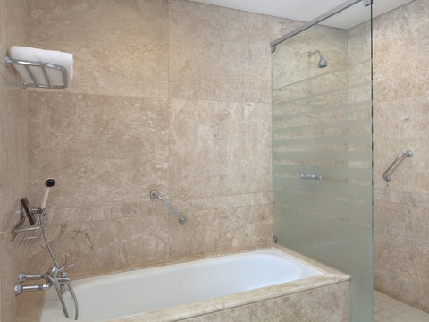 Sheraton Asuncion Hotel - Suite Bathroom