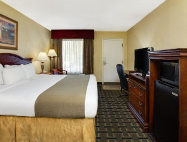 Baymont Inn & Suites Lake City - 1 King Bed Room