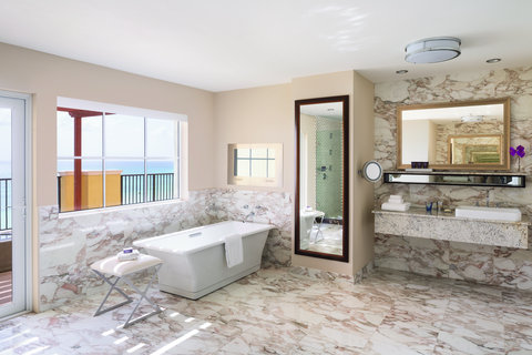 The Ritz-Carlton, Aruba - RC Suite Master Bathroom
