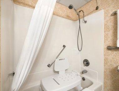 Clarion Inn Gillette - ADA Bathroom