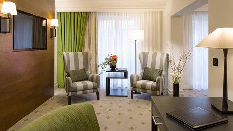 Kempinski Hotel Gravenbruch - Grand Deluxe Room Entrance