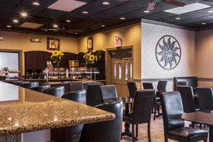 Restaurant - Clarion Inn & Suites Greenville