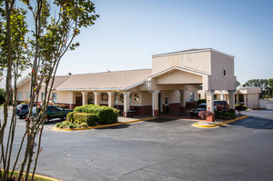 Exterior view - Clarion Inn & Suites Greenville