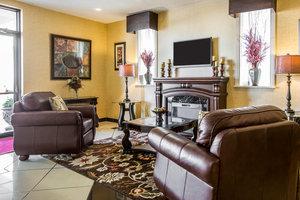 Lobby - Clarion Inn & Suites Greenville