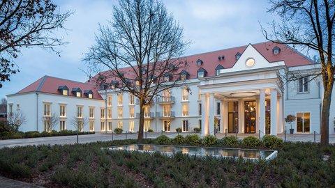 Kempinski Hotel Gravenbruch - Front Entrance