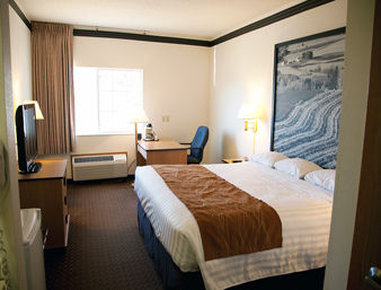 Super 8 Atlantic - Standard King Bed Room