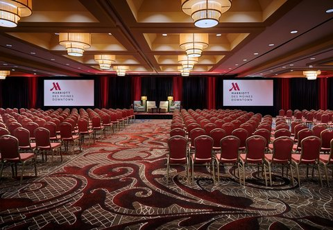 Des Moines Marriott Downtown - Iowa Ballroom Theater - Set-Up
