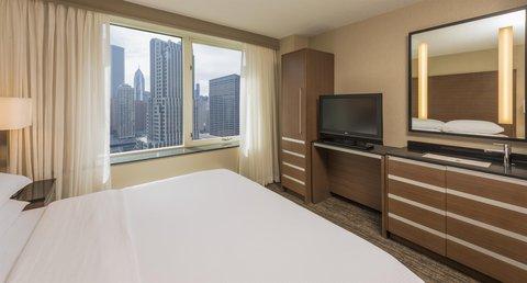 Embassy Suites Chicago DowntownLakefront - Premium King - Cityview
