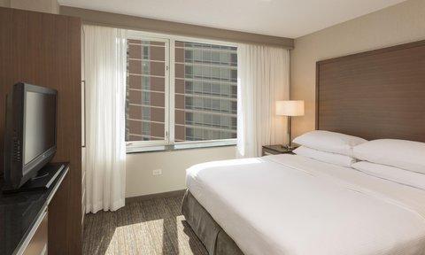 Embassy Suites Chicago DowntownLakefront - Rooms   Suites