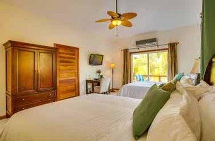 Hatchet Caye - Guest room