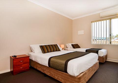 Comfort Inn & Suites Collie - Bedroom