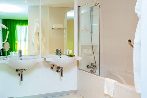 Aqua Natura Madeira - Bathroom