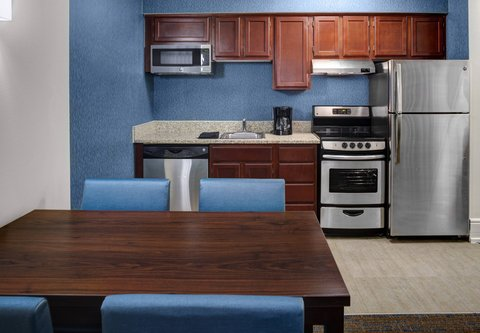 Residence Inn Cleveland Downtown - Two-Bedroom Suite Kitchen