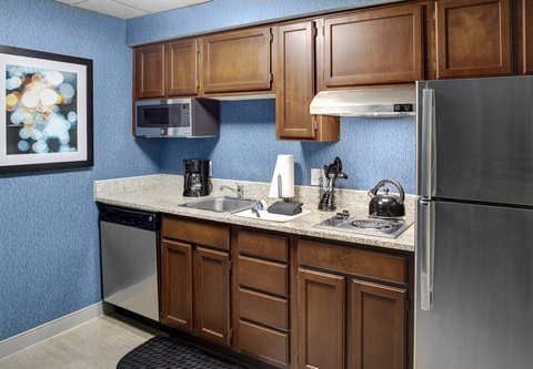 Residence Inn Cleveland Downtown - Suite Kitchen