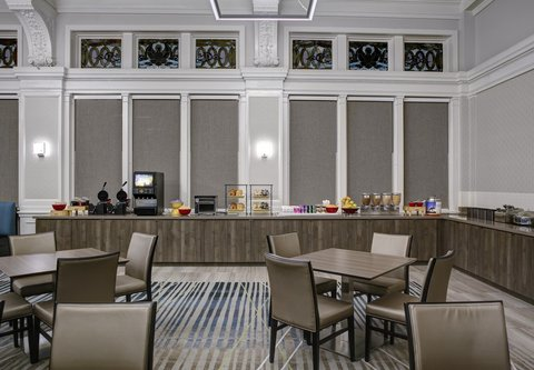 Residence Inn Cleveland Downtown - Dining Area