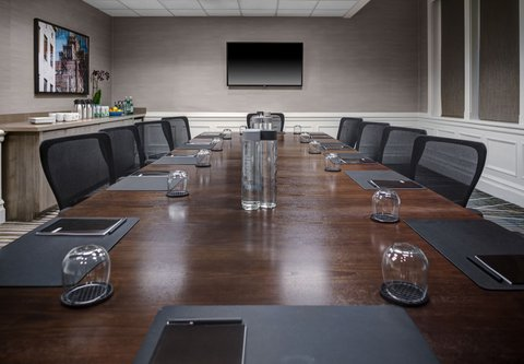 Residence Inn Cleveland Downtown - Executive Boardroom
