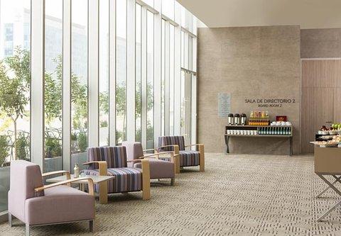 Courtyard Santiago Las Condes - Meeting Room - Coffee Break