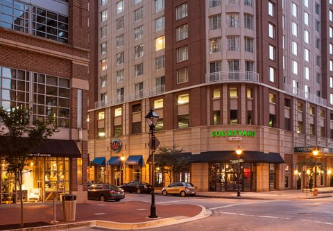Courtyard By Marriott Downtown Baltimore Hotel - Entrance