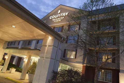 Country Inn & Suites By Carlson, Fredericksburg South (I-95), VA - CISFSVAExteriorDuskCU