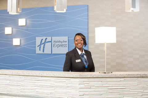 Holiday Inn Express MOLINE - QUAD CITIES - Front Desk