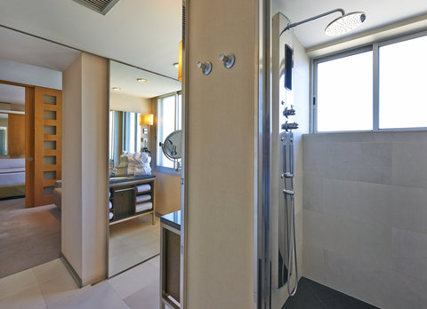 Hesperia Presidente - Bathroom