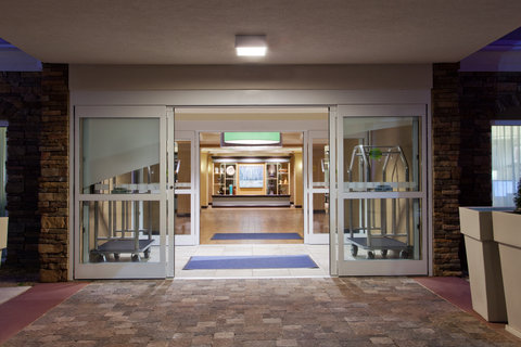 Holiday Inn Express & Suites HUNTSVILLE WEST - RESEARCH PK - Entrance
