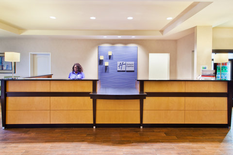 Holiday Inn Express & Suites HUNTSVILLE WEST - RESEARCH PK - Front Desk