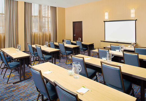Courtyard By Marriott - Shore Room - Classroom Setup